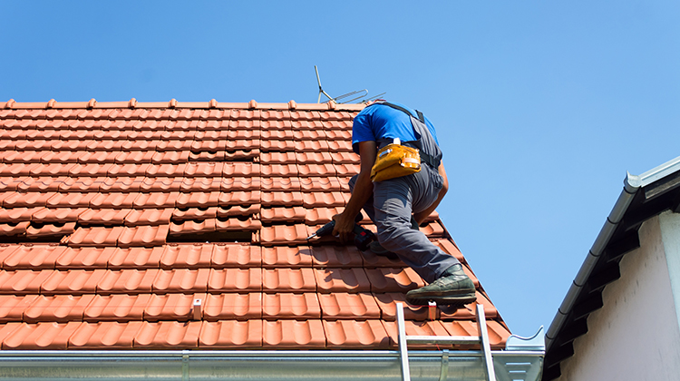 Roof Restoration | Gold Coast | 3 signs that it's time for a roof restoration
